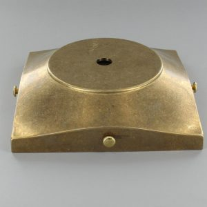 SIDE MOUNTING BACKPLATE WITH FLAT MOUNTING AREA AND 1/8SL CENTER HOLE